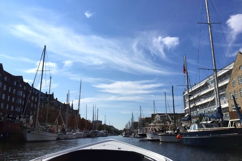 Self-guided e-boat tour through the canals of Copenhagen